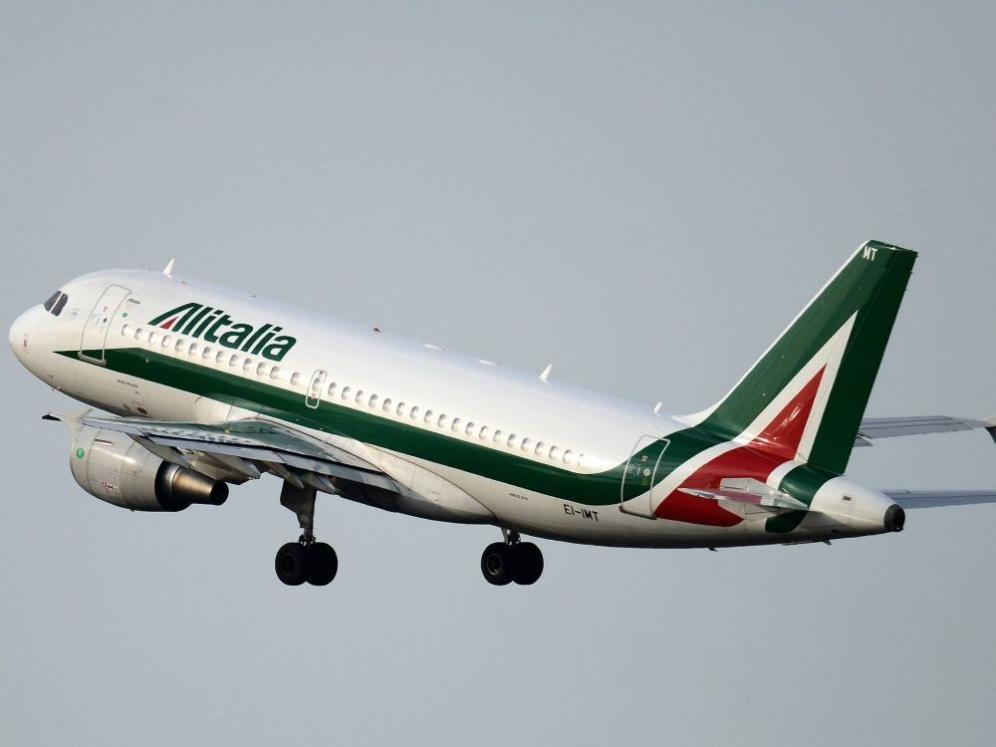 Bagaglio a mano Alitalia: misure, peso e  regole da seguire