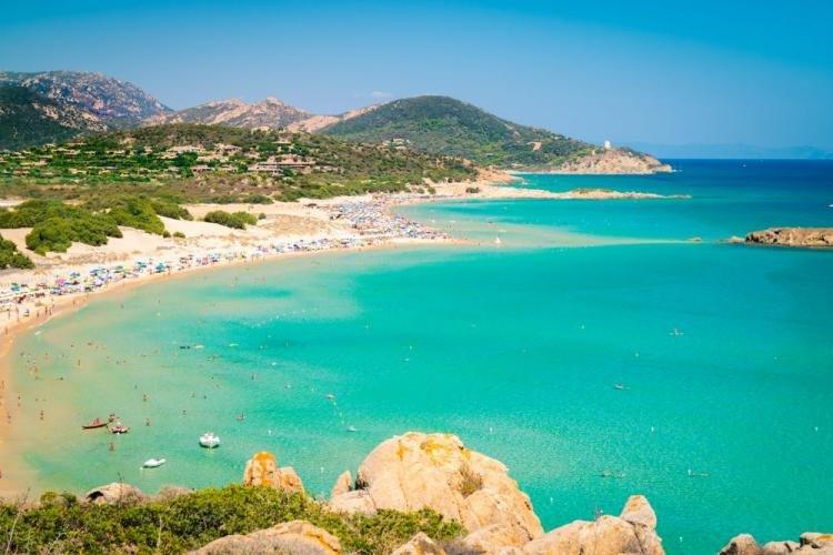 Chia in Sardegna: le spiagge più belle della Baia