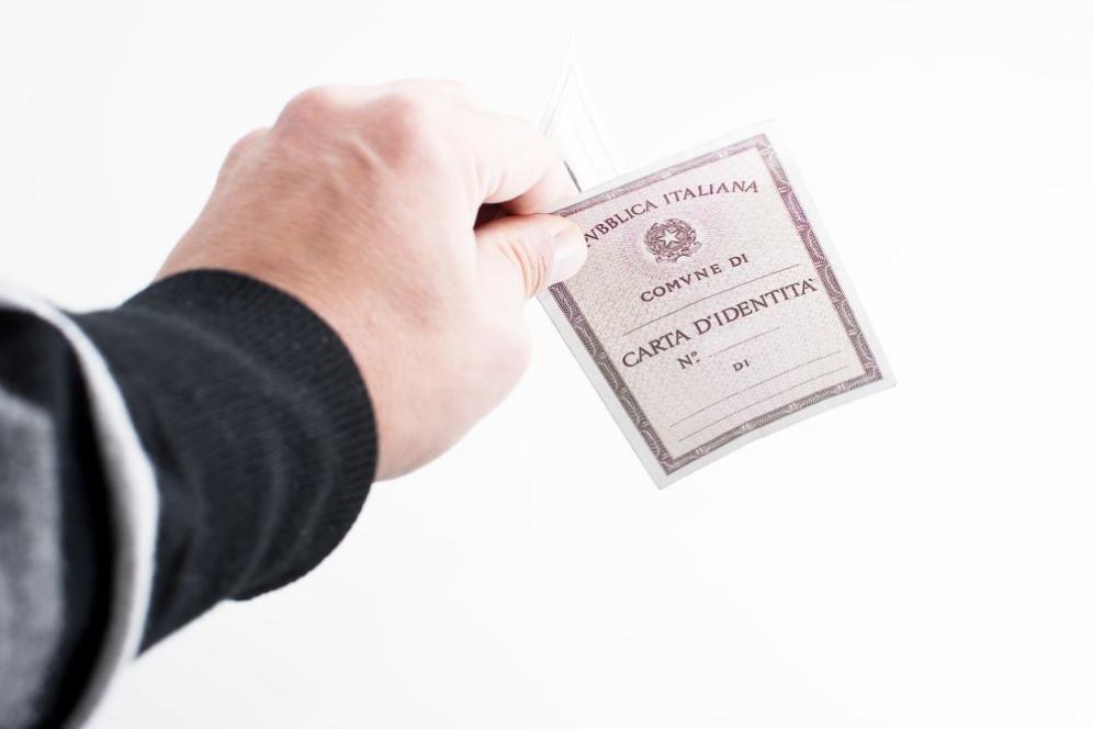 Carta d'identità valida per l'espatrio: come riconoscerla e richiederla