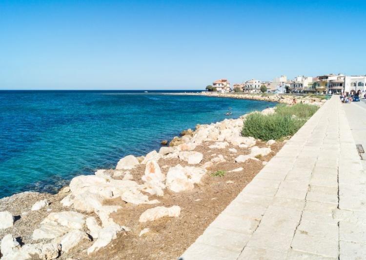 Cosa fare a Marzamemi in Sicilia: l'antico borgo e le sue spiagge