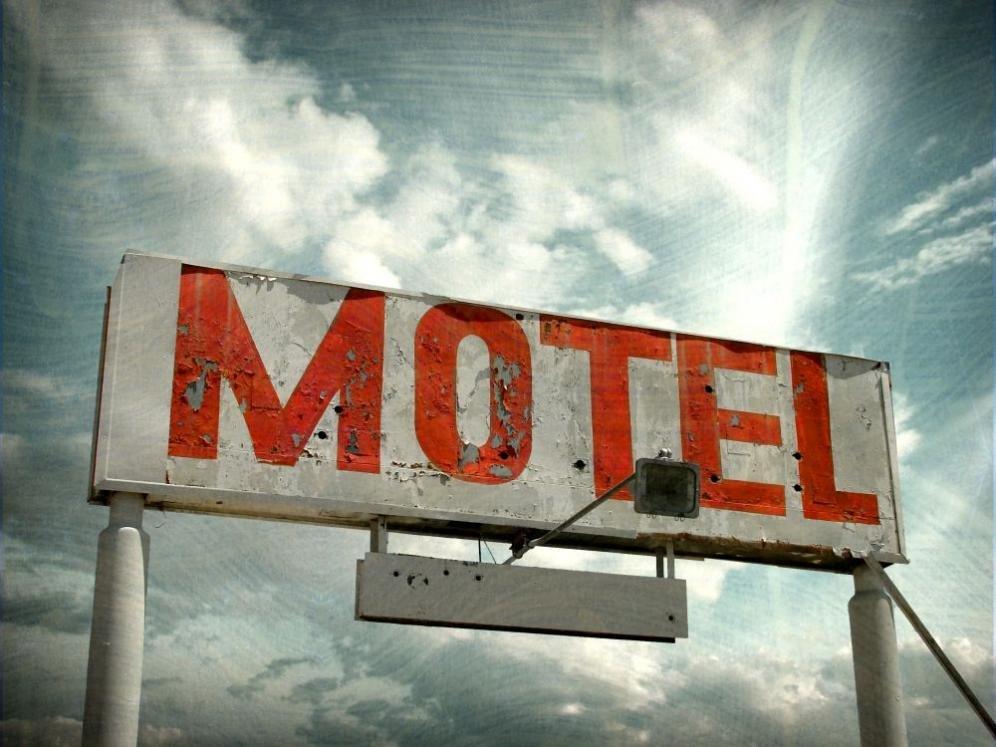 Gli oggetti più sporchi in albergo: 5 cose che è meglio non toccare