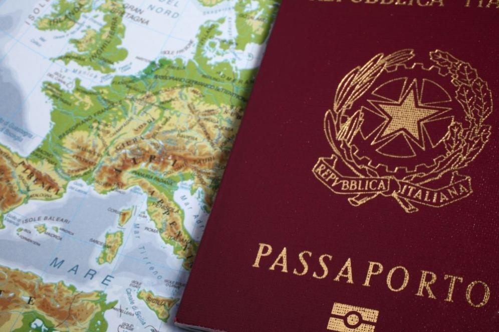 Passaporto elettronico: cos'è, quanto costa e come richiederlo online