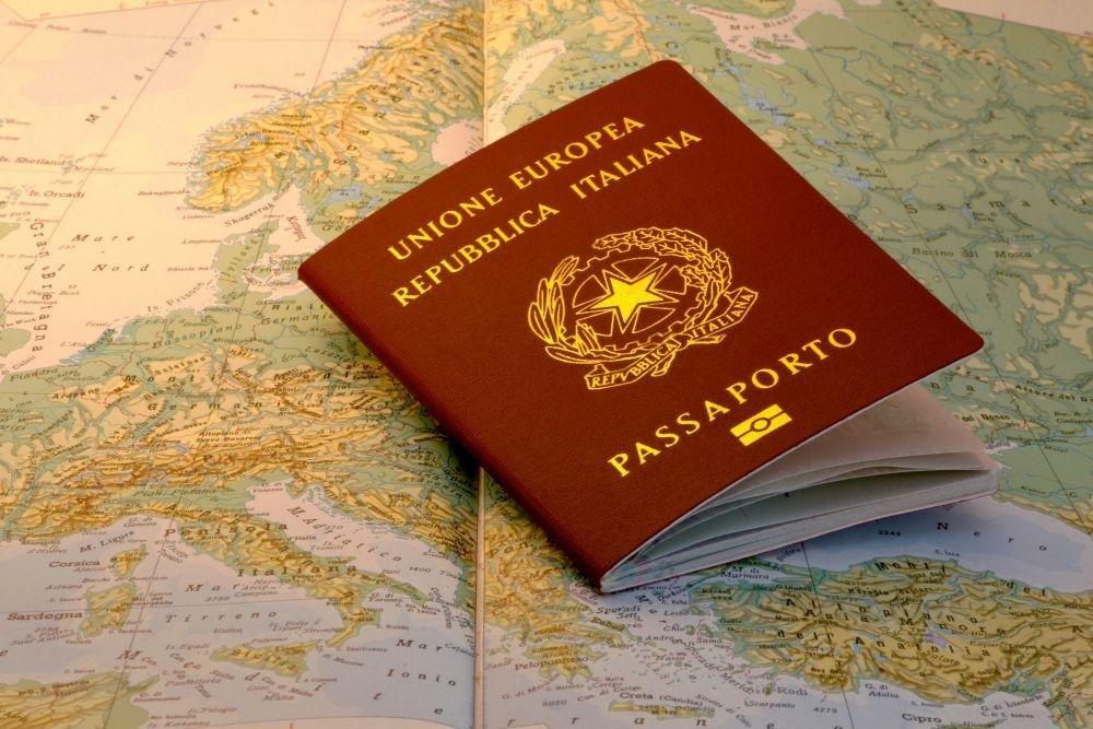 Passaporto per italiani residenti all'estero: costo, tempi ...