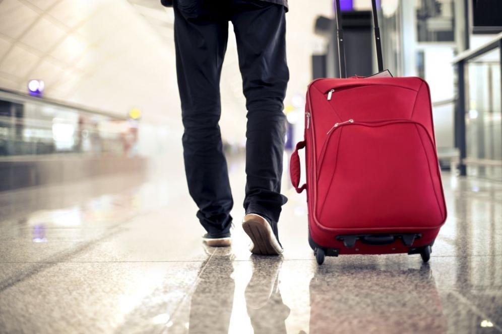 Cosa portare in viaggio: i 10 oggetti indispensabili