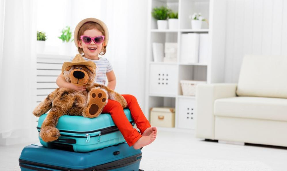 Bimbi in viaggio: consigli utili per una vacanza tranquilla