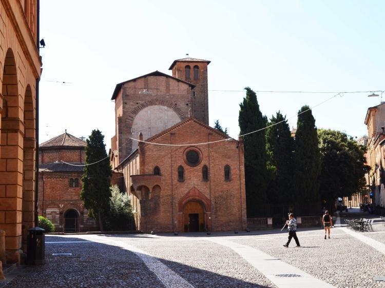 Bologna: Basilica di Santo Stefano, il Compianto