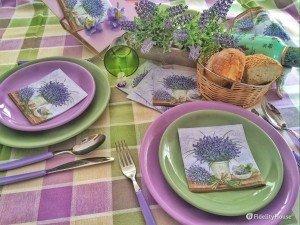 La mia tavola si colora di glicine