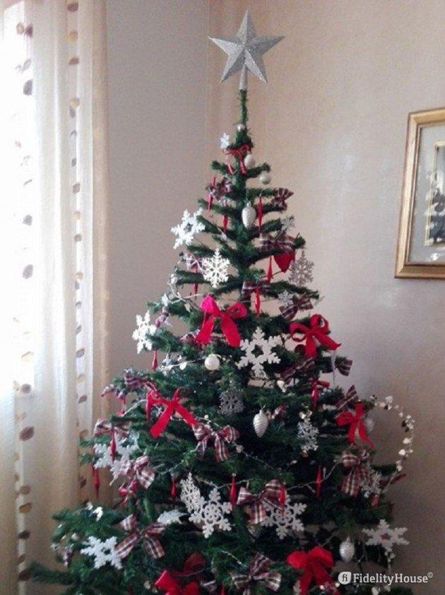Albero Di Natale Bianco E Rosso.Albero Di Natale In Bianco E Rosso Fidelity Foto