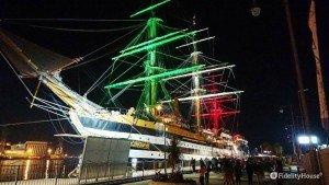 Amerigo Vespucci illuminata con i colori della bandiera Italiana.