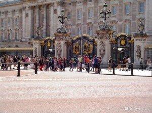 I cancelli di Buckingham Palace a Londra