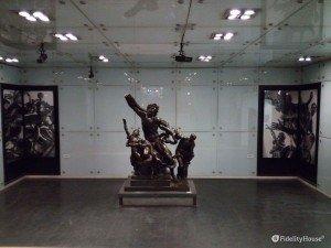 Il personaggio mitologico Laocoonte nella stazione 'Museo' di Napoli