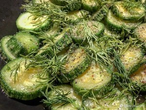 Zucchine in padella con aneto