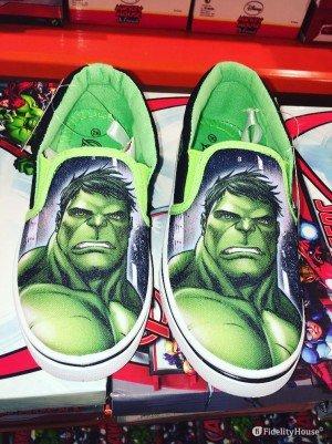 Simpatiche scarpe per bambino slip-on con il supereroe Hulk
