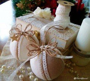 Palline natalizie in stile shabby