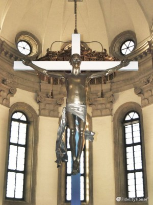 Occhi vigli per il Crocifisso del Duomo a Padova