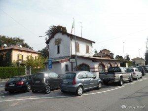 Lurate Caccivio: piazza degli Alpini, l'ex casello e l'ex stazione