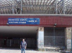 Davanti lo stadio San Paolo di Napoli
