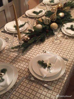 La mia tavola di Natale in oro e verde
