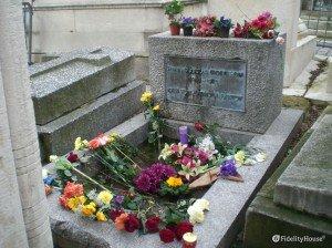 Tomba di Jim Morrison al cimitero di Père Lachaise, Parigi