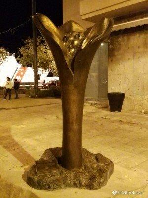Statua del Fiore della memoria e della speranza