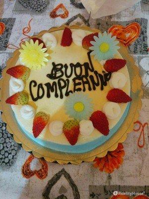 Tanti dolci auguri di buon compleanno.