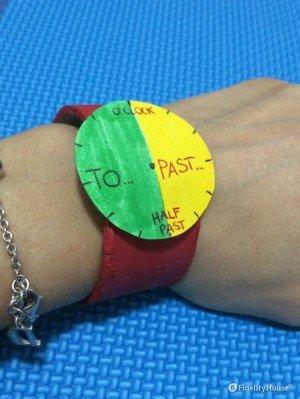 Orologio di cartoncino: per