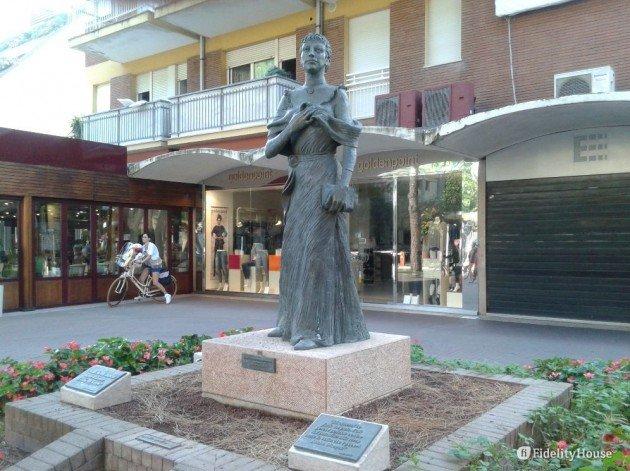 Risultato immagini per statua di maria boorman ceccarini