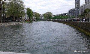 Il fiume Gave a Lourdes