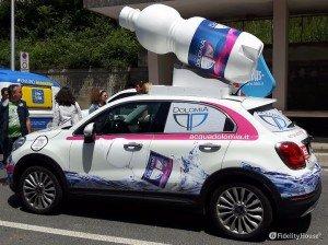 Sponsor Acqua Dolomia nella Carovana del Giro d'Italia 2016