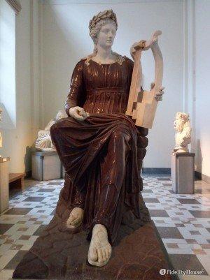 Apollo seduto con la lira (Collezione Farnese)