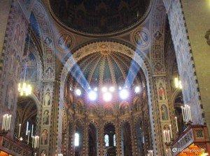 Basilica di Sant'Antonio a Padova, vista dall'interno