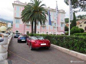 Sfilata di Ferrari a Rapallo