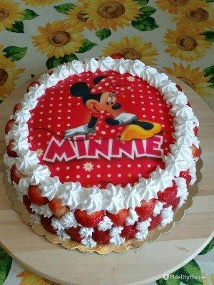 Torta di compleanno con Minni