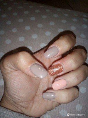 Ricostruzione unghie tortora, rosa e arancio