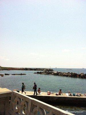 Visuale dal pontile di Livorno verso la spiaggia