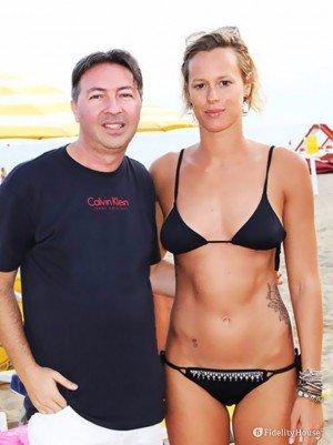 La campionessa Federica Pellegrini, sulla spiaggia!