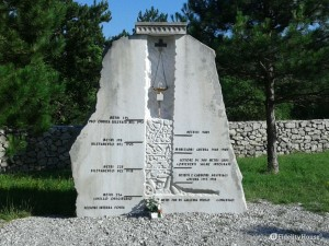 Monumento alla Foiba di Basovizza , Trieste
