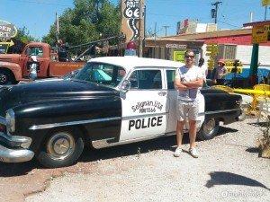 Vecchia macchina della polizia americana