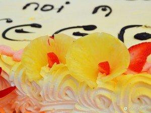 Decorazioni con ananas e fragole