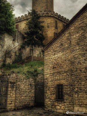 Castello di Pietragavina (Pavia)