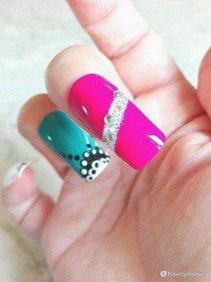 Nail Art elegante e preziosa per le tue mani