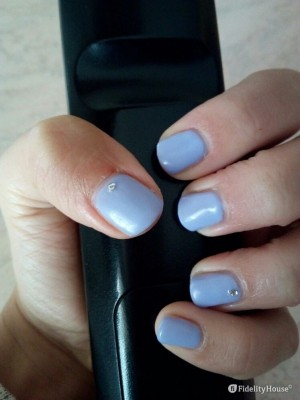 Ricostruzione unghie col gel colore malva