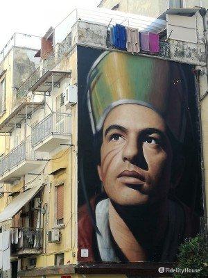 Il murales a Forcella