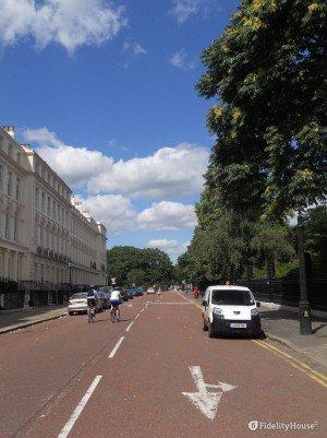 Una passeggiata per i viali di Londra