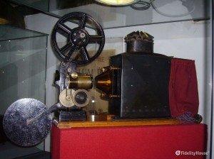 Un antico proiettore al Museo del Precinema di Padova