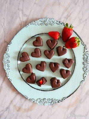 Cioccolatini ripieni di fragole