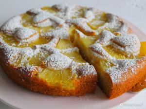 Torta all'ananas fresco senza uova