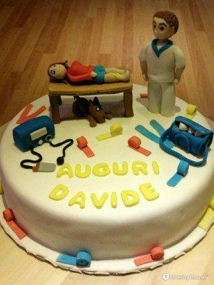 Torta di compleanno per un fisioterapista