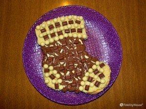 Calza della befana in pan di Spagna con crema pasticciera e cioccolato