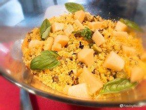 Taboulè esotico con verdure e cantalupo